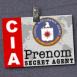 Badge CIA avec bandeau rouge