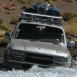 Toyota 4x4 entrant dans l'eau