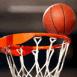 Ballon de basket entrant dans le panier